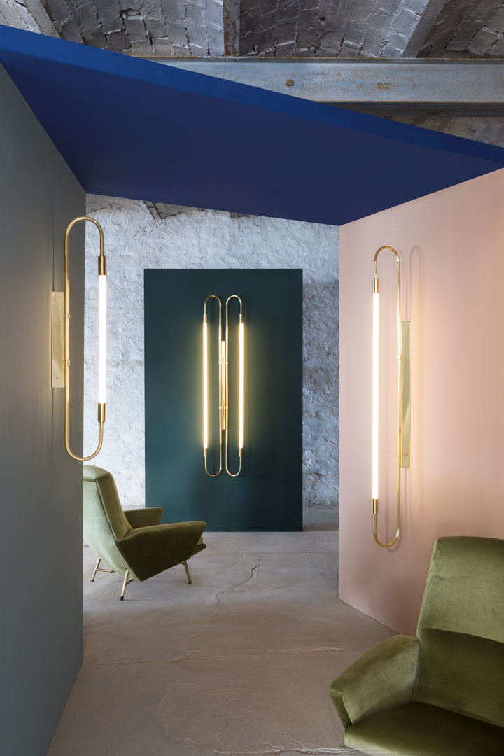 Wall lamp neon double